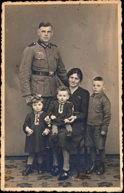 Original WW2 German Army Soldier Photo with 3 Children