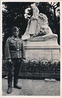 WW2 German Photo Army Gefreiter French WW1 monument