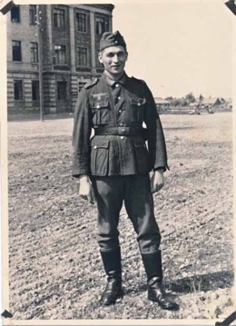 Original WW2 German Army Soldier Photo