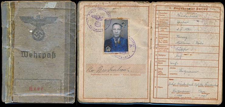 WW2 German Army Wehrpass for Theodor Breidenbach WW1 Service